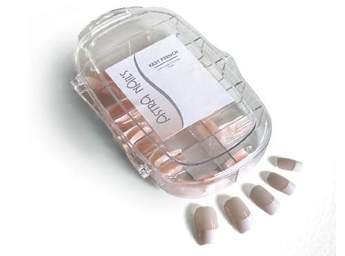 umele nechty francuzska manikura